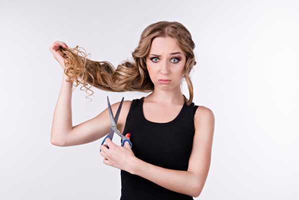 Jak zapobiegać łamliwym i wypadającym włosom
