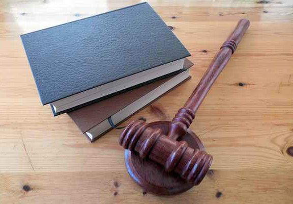Przetargi – czy warto korzystać z usług kancelarii prawnej?