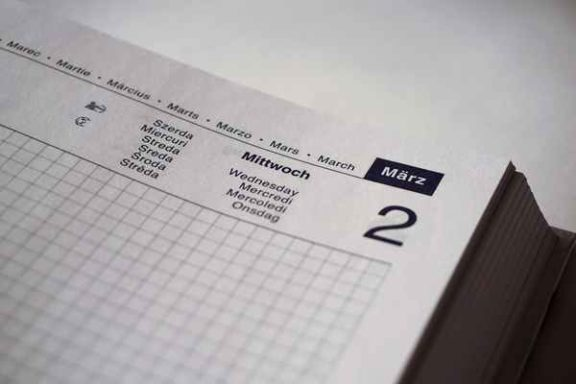 Kalendarz książkowy – jakie informacje można w nim znaleźć?