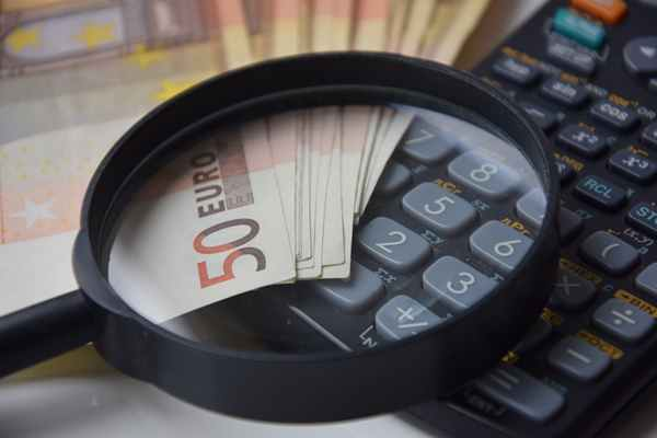 Jak oszczędzać na lokacie? Jak sprawdzić ile można zarobić na lokacie?