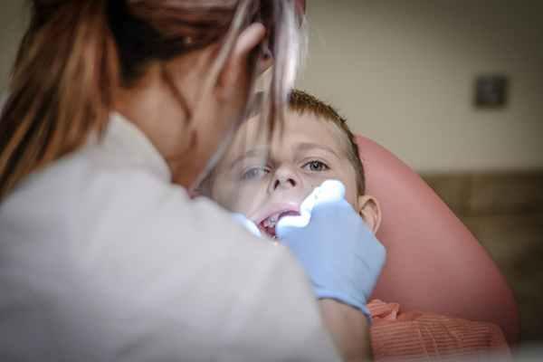 Stomatologia estetyczna a dzieci - czy to bezpieczne?